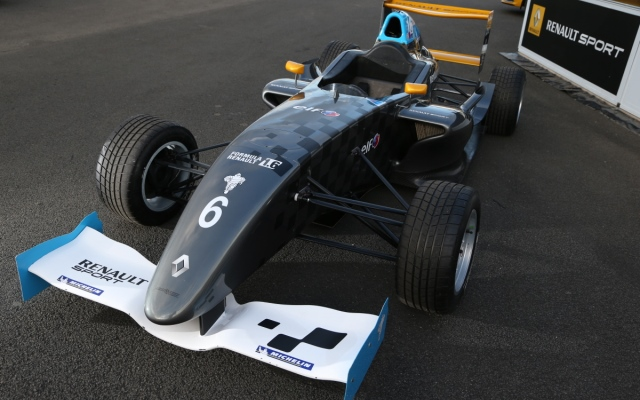 It has been confirmed that a Formula Renault 1.6 series will be introduced in the United Kingdom next year, introducing another option for budding single-seater drivers in the country.