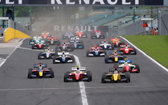 This week's Roundup features the resumption of Formula Renault 3.5 and Eurocup Formula Renault 2.0 action after the summer break, as well as British F3, German F3, Italian F4 and more.