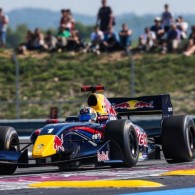 Carlos Sainz took a step closer to claiming the Formula Renault 3.5 title as he doubled up Paul Ricard thanks to a great start and dominant pace after that.