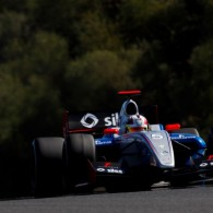 Pietro Fantin set the pace in the opening session of Formula Renault 3.5 post-season testing at Jerez, followed closely by debutant Alex Fontana.