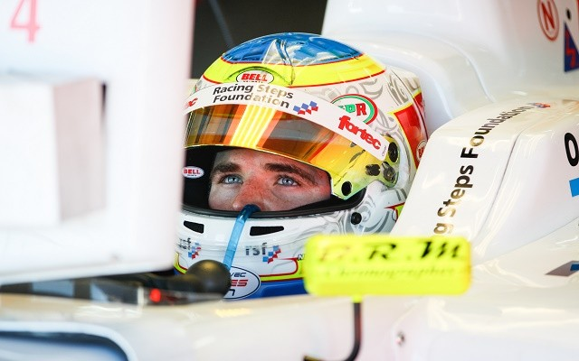 Formula Renault 3.5 pre-season favorite Oliver Rowland took his third victory in the series in the opening race of 2015 at Motorland Aragon.