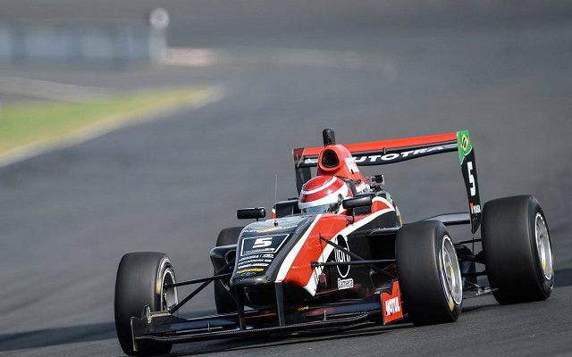 Pedro Piquet converted his pole position into winning the final Toyota Racing Series race at Hampton Downs as well as clinching New Zealand Motor Cup title.