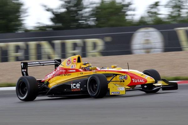 Stoffel Vandoorne in Formula Renault NEC