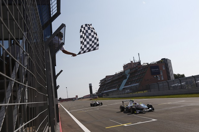 Melville McKee keeps Alex Sims at bay to secure his first GP3 win (Photo: Andrew Ferraro/GP3 Series Media Service)