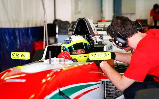 Photo: Lorenzo Charlez / ASM / Renault Sport Media