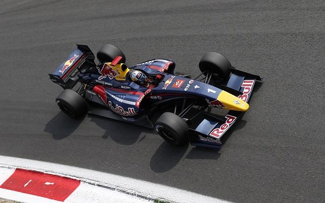 Photo: Alexandre Guillaumot / DPPI / Renault Sport Media
